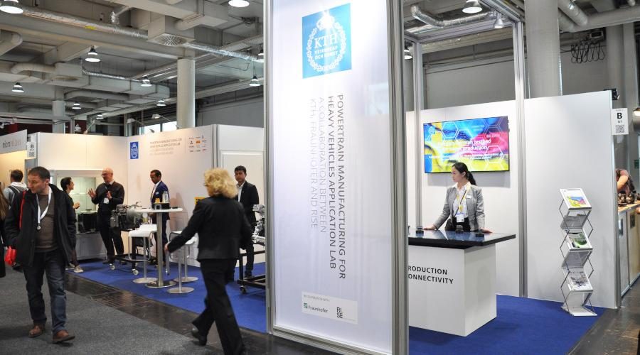 Powertrain Manufacturing for Heavy Vehicles Application Labs Stand auf der Hannover Messe 2019.